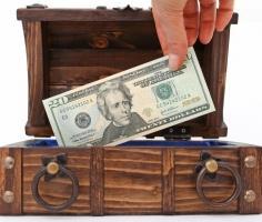 Курс доллара 5 апреля: ожидается 1 важный отчет по США