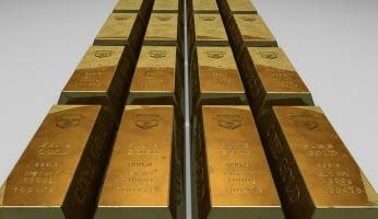 Gold Prices Climb Despite Gains in Asian Stocks