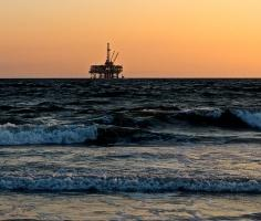Oil prices rise amid Mexican storm; OPEC forecast report in focus