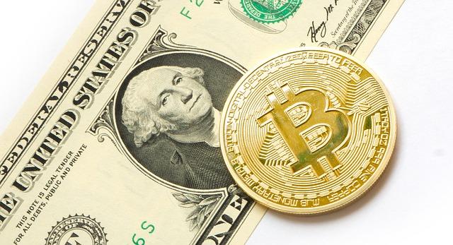 биткоин или бумажные деньги