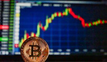 От чего зависит курс биткоина